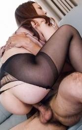 Maki Mizusawa has pussy licked and screwed through ripped nylon