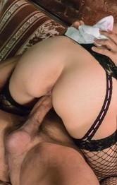 爆乳美熟女三橋杏奈がメイド姿で指マン責め!豪快なバキュームフェラから生挿入!ガン突きファックでイクイクと中出し!